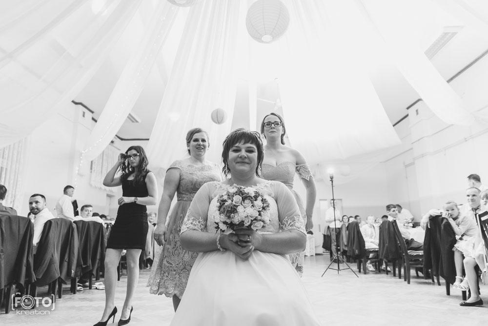 Oczepiny - fotografia ślubna